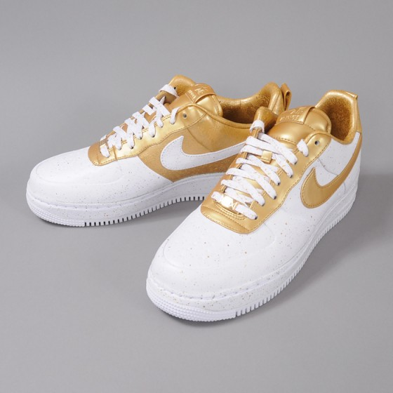 Out now! Nike Air Force 1 Low Supreme TZ!!