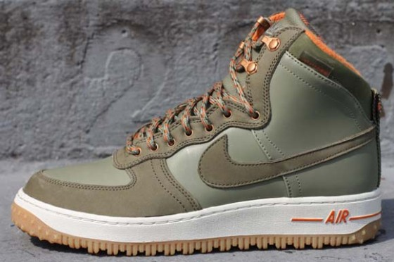 Nike Air Force 1 High DCNST MB / Ideální podzimní bota od NSW