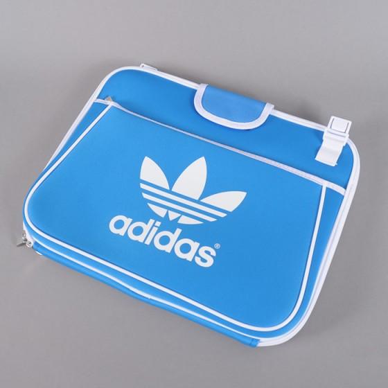 Queens.cz x adidas Originals / Soutěž o laptop sleeve