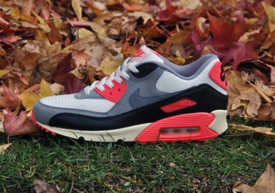 Nike Air Max 90 Infrared VNTG / Release date 20. prosince 2012