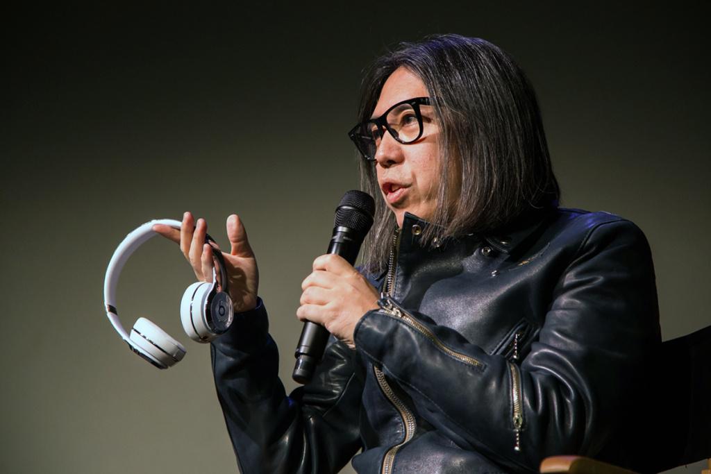 Král kolaborací a designérský mohykán - Hiroshi Fujiwara