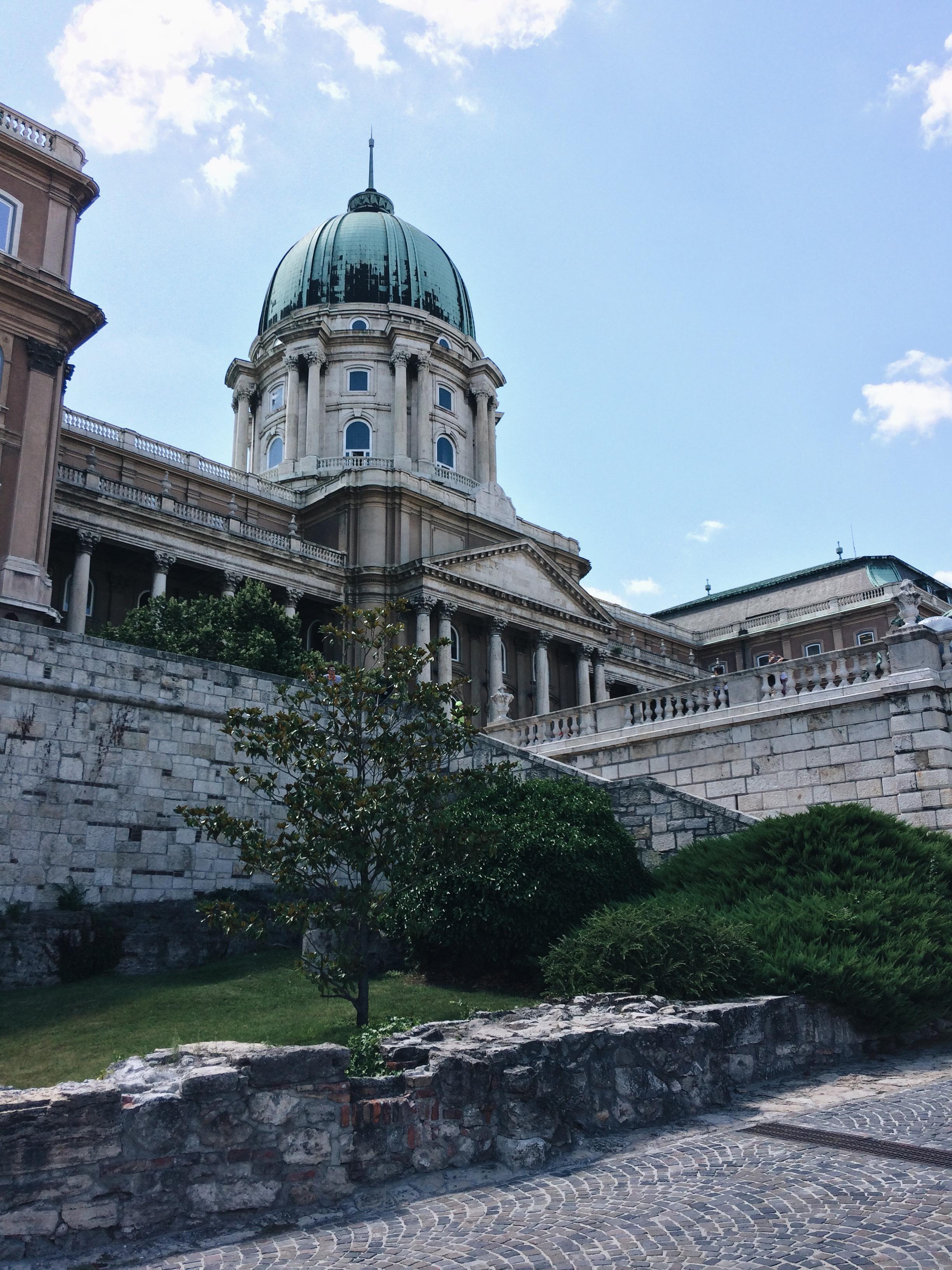 Queens City Guide   Budapešť 🇭🇺